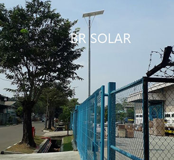 Brunei 100W All In One Solar Street light في مايو 2018